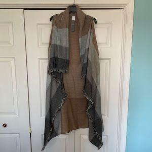 Sweater shawl/vest long